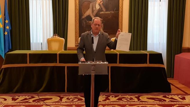 El concejal de Medio Ambiente y Movilidad del Ayuntamiento de Gijón, Aurelio Martín, en rueda de prensa
