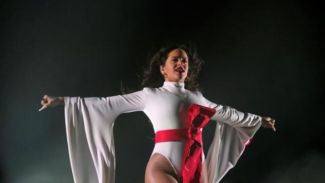 Rosalía, durante el concierto en el WiZink Center de Madrid de su gira 'El mal querer'.