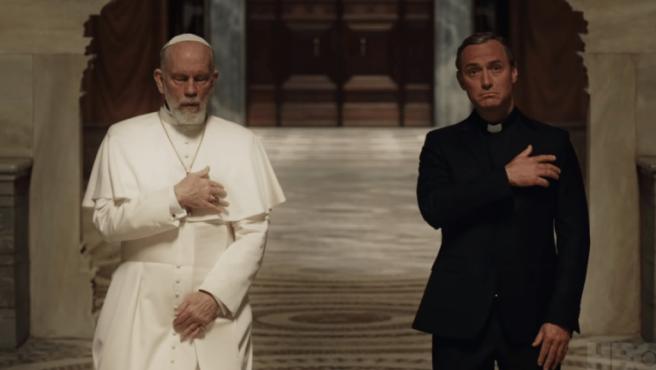 Jude Law y John Malkovich inician su juego de tronos en el tráiler de 'The New Pope'
