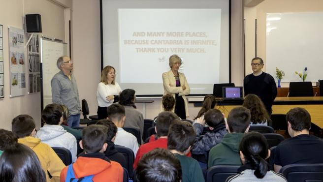 10:00.- IES La Albericia. Santander. La consejera de Educación, Formación Profesional y Turismo, Marina Lombó, realiza una visita a este centro educativo.