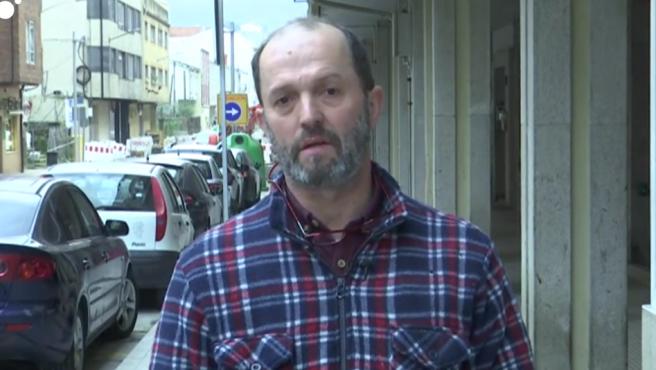 Imagen del fontanero gallego que quiere llevar a los tribunales a Pedro Sánchez.