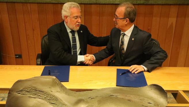 Firma del convenio entre la Cámara gallega y la Real Academia Galega de Ciencias