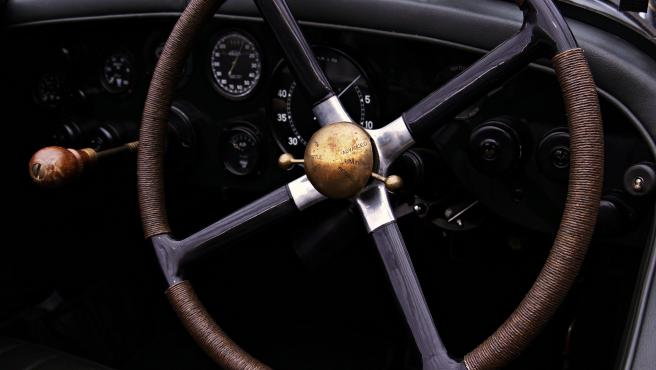 Algunas marcas y modelos de coche doblan el precio que cuesta el coche solo con los extras.