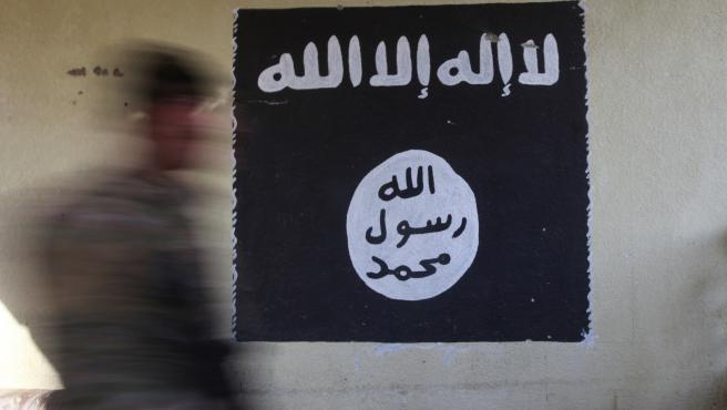 Imagen de una bandera de Estado Islámico.