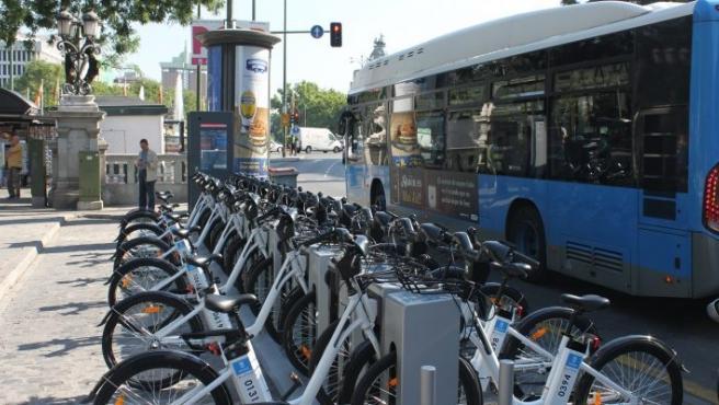 Imagen de archivo de una estación de BiciMAD en Madrid
