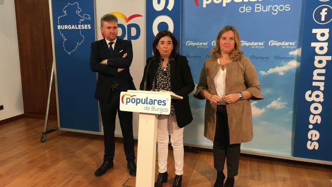 Javier Lacalle, senador del PP por Burgos, Sandra Moneo, diputada nacional del PP por Burgos, y Cristina Ayala, senadora del PP por Burgos.