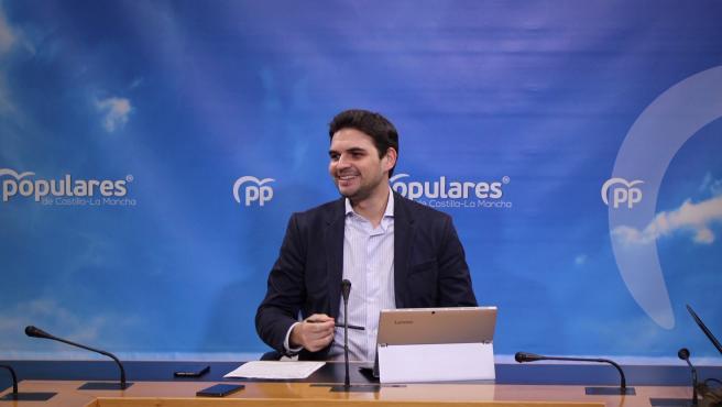 Pp Clm (Cortes De Voz Y Fotografía) Rueda De Prensa De Santiago Serrano