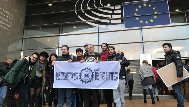 'Riders' de distintos países acudieron este viernes al Parlamento Europeo para mantener una reunión con miembros de la Comisión.