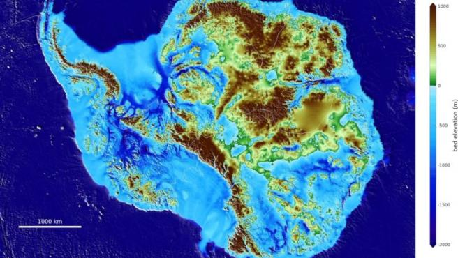 Mapa de la Antártida que muestra la capa de hielo y la parte de tierra del continente.