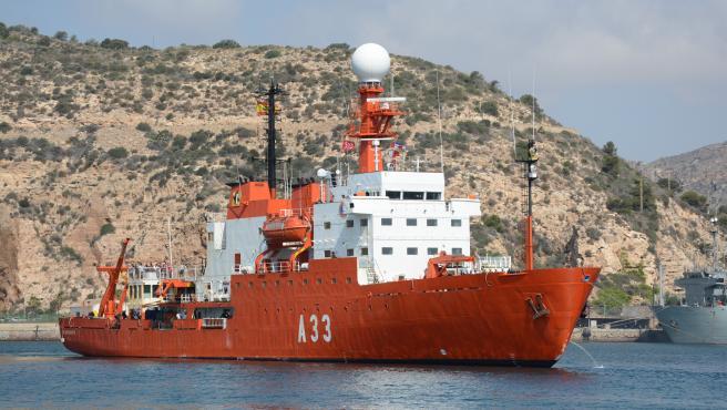 BIO Hespérides entrando en puerto de Cartagena