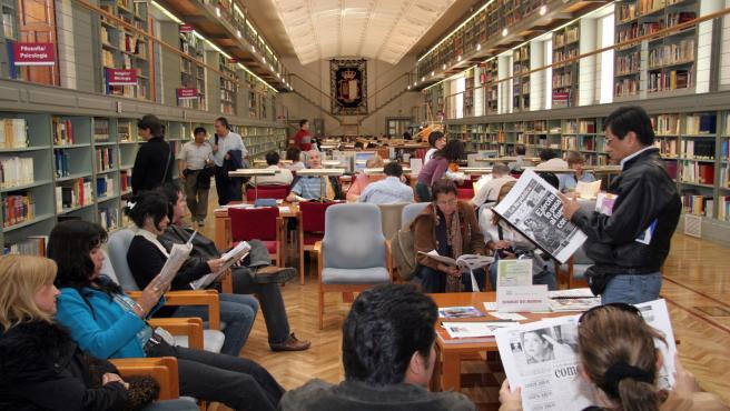 Toledo, 16-12-2009.- Imagen de archivo de la Biblioteca de Castilla-La Mancha, ubicada en el Alcázar de Toledo. (Foto: Luis Medel // JCCM)