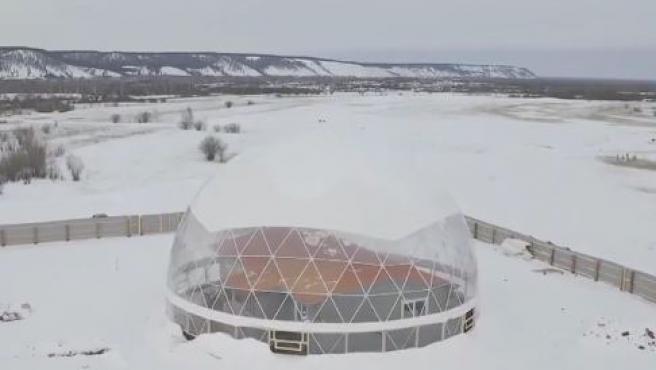 Imagen de la cúpula en la que una familia vivirá en Siberia.