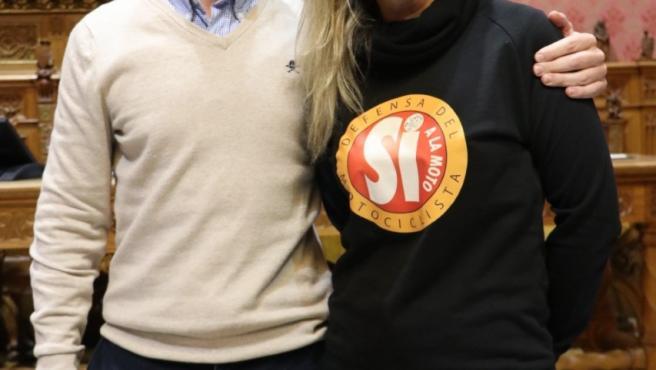 El portavoz 'popular' en el Consell de Mallorca, Llorenç Galmés, con la consellera insular Rakel Sánchez.