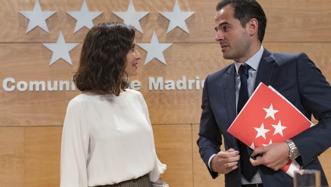 La presidenta de la Comunidad de Madrid, Isabel Díaz Ayuso, y el vicepresidente, Ignacio Aguado. Imagen de recurso