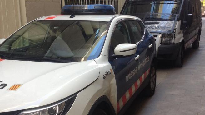 Patrulla de los Mossos d'Esquadra en Barcelona (archivo)
