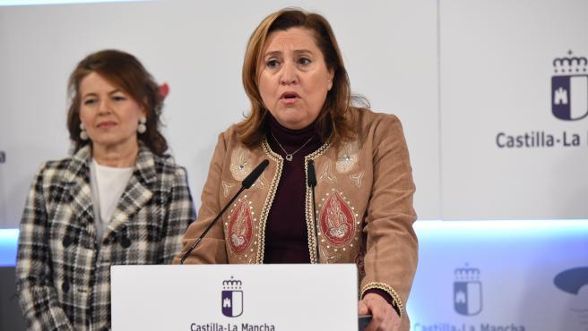 La consejera de Educación, Cultura y Deportes del Gobierno regional, Rosa Ana Rodríguez, en rueda de prensa.