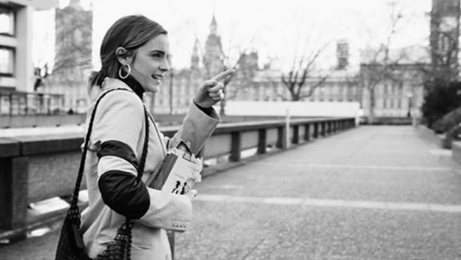 'Mujercitas': Emma Watson esconde dos mil ejemplares de la novela en 38 países distintos