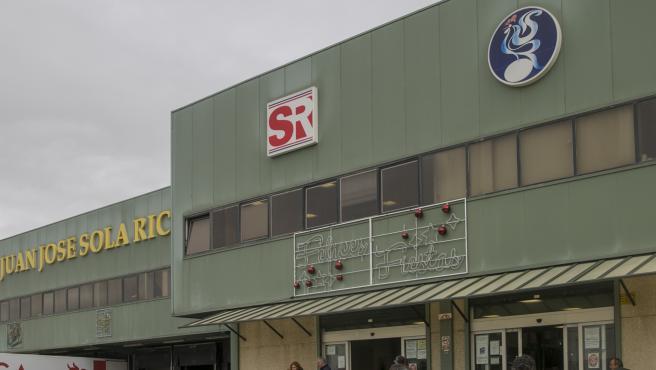 SEVILLA, 18.12.19. Almacén y supermercado de la empresa Juan José Sola Ricca en la calle Martillo.