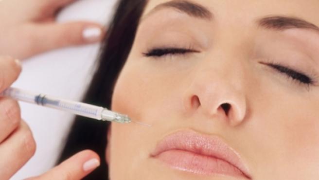 La toxina botulínica es uno de los tratamientos más efectivos y demandado para reducir las arrugas de expresión.