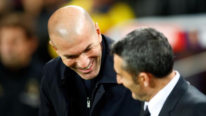 Zinedine Zidane y Ernesto Valverde, durante el Clásico.