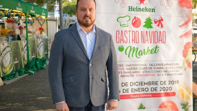 El concejal de Fiestas, Andrés Casanova, en la presentación del 'Gastro Navidad Market'