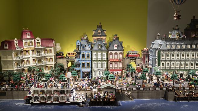 Una de las maquetas realizadas con figuras de Playmobil que pueden verse en el Palacio de Gaviria de Madrid