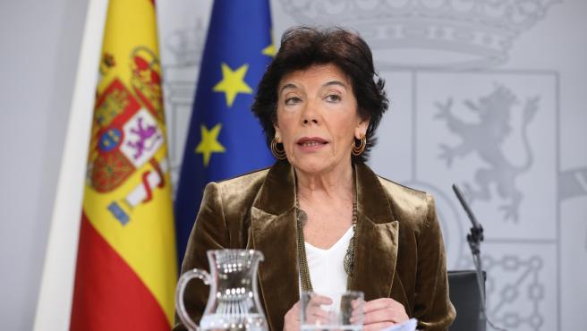 La portavoz y ministra de Educación funciones, Isabel Celaá, durante la rueda de prensa tras el Consejo de Ministros en La Moncloa, Madrid (España), a 20 de diciembre de 2019.