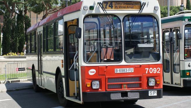Pegaso 6038 preservado por TMB en el IV Rally de Autobuses Clásicos.