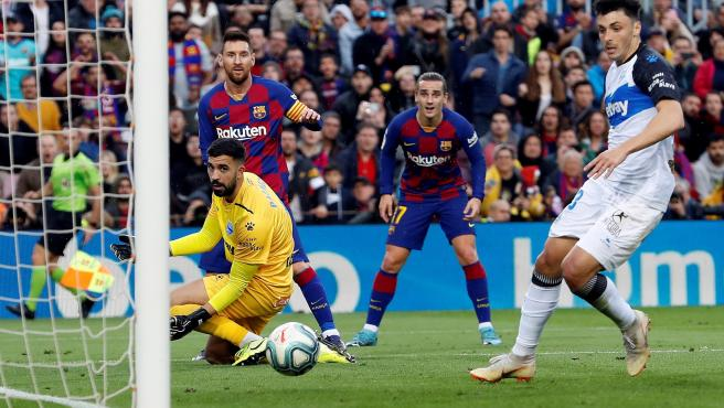 Griezmann marca gol en el Barcelona - Alavés.