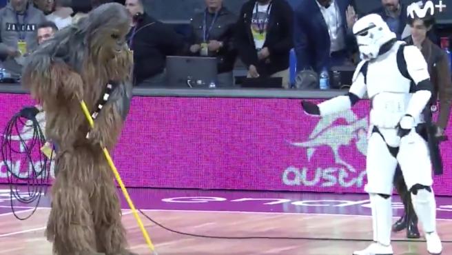 Personajes de Star Wars en el derbi canario de la ACB