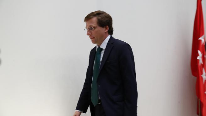 El alcalde de Madrid, José Luis Martínez-Almeida, durante un pleno
