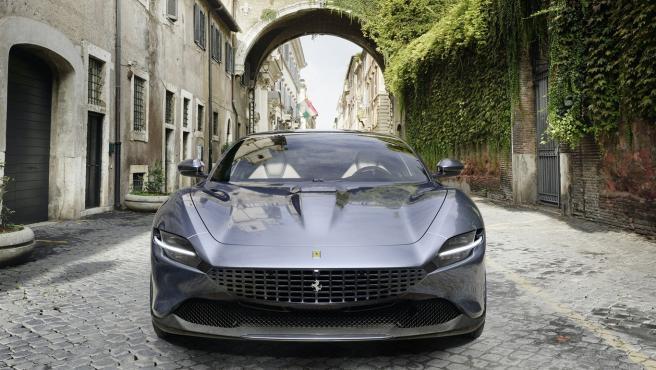 Así es el nuevo Ferrari Roma: los 620 caballos de potencia al estilo 'Nueva Dolce Vita' Ferrari-roma