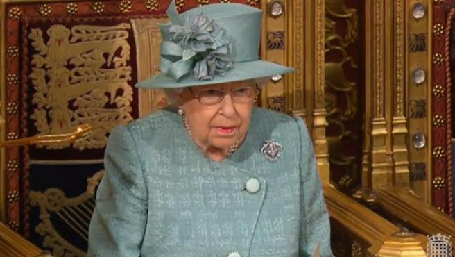 La reina Isabel II, durante la sesión de apertura del Parlamento británico, en Londres.