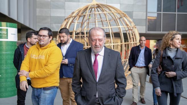 El presidente de la Diputación de Sevilla, Fernando Rodríguez Villalobos, se reúne con alcaldes de la provincia para abordar programs de formación y empleo