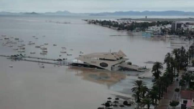La playa de Santiago de la Ribera, desaparecida por la crecida del Mar Menor