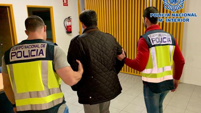 Policía Nacional detiene a una persona por estafa y falsedad documental, poco a poco llegó a estafar 20.000 euros