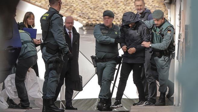 Agents de la Guàrdia Civil traslladen en Manuel a Jorge Palma, l'acusat de l'assassinat de Marta Calvo