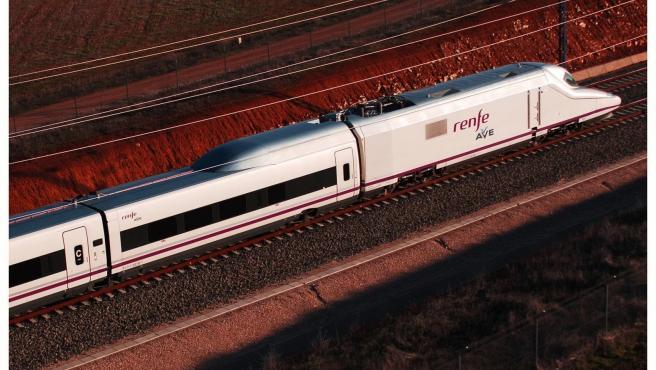 Imagen de archivo de un tren AVE de Renfe