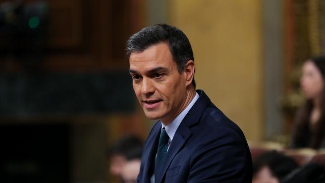 El presidente del Gobierno en funciones, Pedro Sánchez, durante su intervención final en la segunda sesión del debate de investidura del candidato socialista a la Presidencia de Gobierno en la XIV Legislatura en Madrid (España), a 5 de enero de 2020.