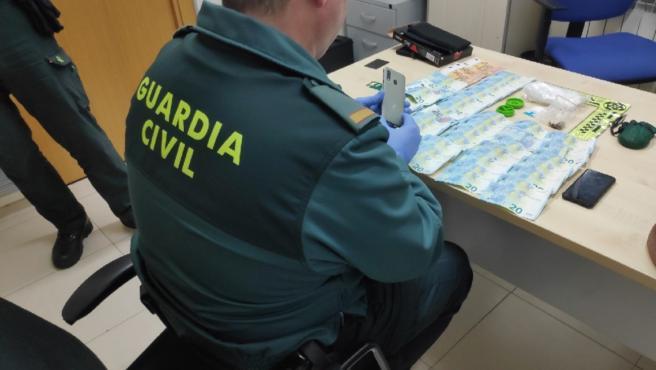 Intervención de cocaína y dinero a dos personas acusadas de tráfico de drogas en Pontevedra