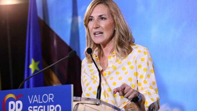 La vicesecretaria de Organización y presidenta del Partido Popular de Navarra, Ana Beltrán, en un mitin electoral del Partido Popular en el Hotel Las Artes - Paseo de las Artes, Pinto (Madrid)