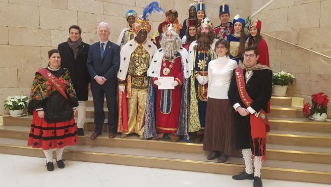 Los Reyes Magos también han acudido al consitorio logroñés