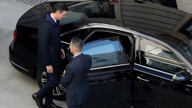 Pedro Sánchez abandona el Congreso tras la primera votación.
