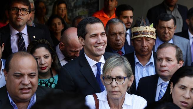Guaidó se dirige al Parlamento de Venezuela.