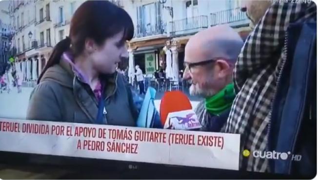 Imagen del momento en el que una simpatizante de Vox se enfrenta al fundador de Teruel Existe.