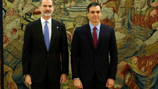 Pedro Sánchez, promete su cargo ante el rey Felipe VI.