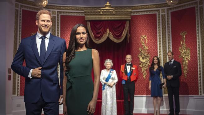 Figuras de la familia real británica en el museo Madame Tussauds de Londres.