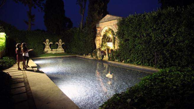 Piscina del Castell de Púbol de noche (archivo)