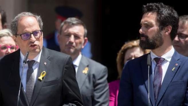 El presidente del Parlamento de Cataluña, Roger Torrent, ha afirmado en una comparecencia que la Junta Electoral Central no tiene competencias para inhabilitar a Torra y que por tanto sigue siendo diputado a pleno derecho. Ha recalcado que la inhabilitación del presidente de la Generalitat va en contra del artículo 24 del reglamento del Parlamento de Cataluña. Por ello, van a presentar un recurso ante el Tribunal Constitucional contra este acuerdo de la JEC.