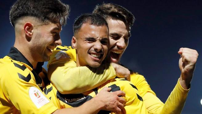 El Badalona celebra el pase a dieciseisavos de la Copa del Rey tras eliminar al Getafe.